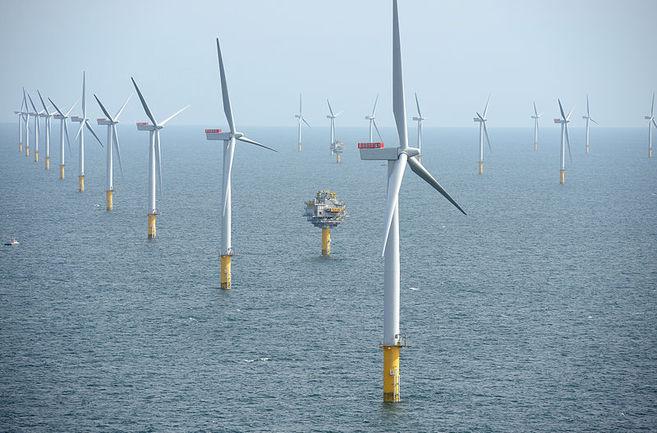 Un campo de turbinas en Reino Unido. |