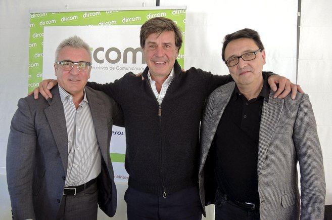 Martínez de Irujo, este martes, entre el director de Carmencita,...
