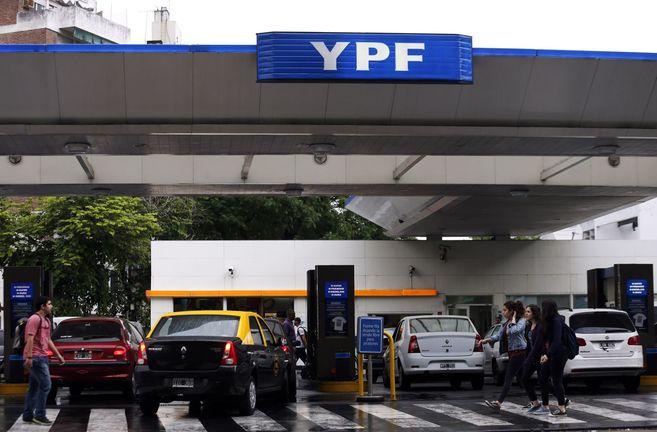 Gasolinera de YPF en Buenos Aires.