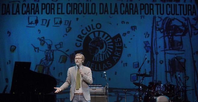 Joaquín Reyes en el escenario del Círculo.