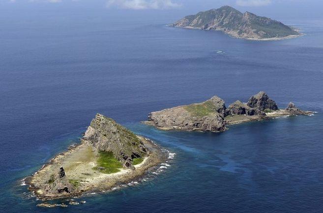Las islas de Senkaku, en japonés, y Diaoyu, en chino, disputadas por...