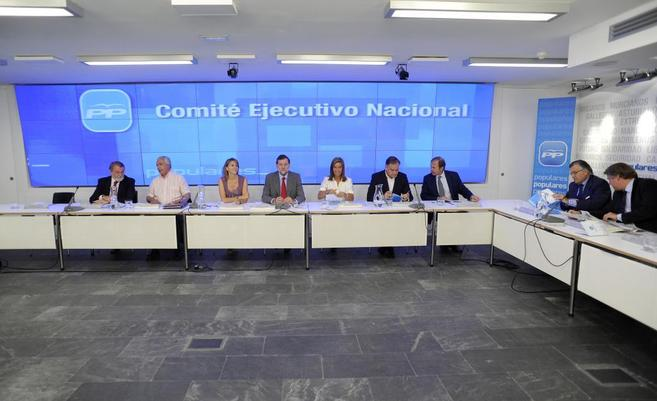 Comité Ejecutivo del PP, en 2009, entre otros: Mayor Oreja, Arenas,...