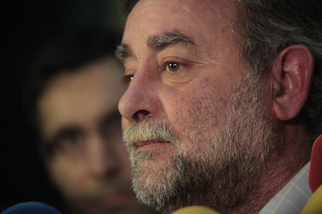 Francisco Fernández Sevilla, emocionado, explica su dimisión sin...