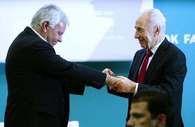 Simón Peres y Felipe González