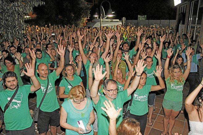 El presidente de la OCB, Jaume Mateu, en primera fila, en una protesta...