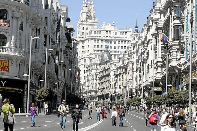 Imagen de la calle Gran Vía de Madrid, ciudad donde se firman las...