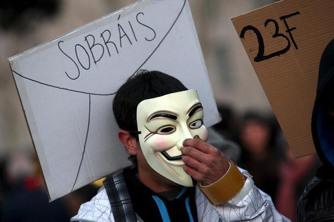 Un manifestante en una protesta en Barcelona