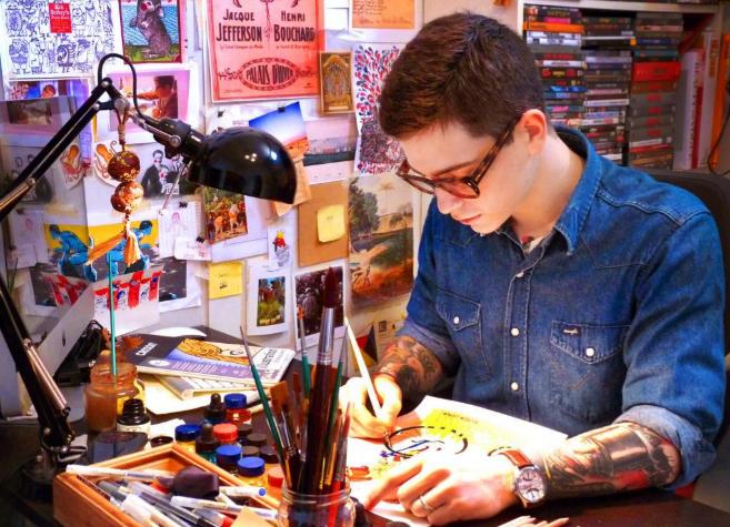 El ilustrador salmantino Ricardo Cavolo, en su estudio.