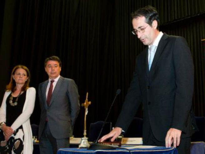 Fernando Suárez, rector de la Rey Juan Carlos, en su toma de...