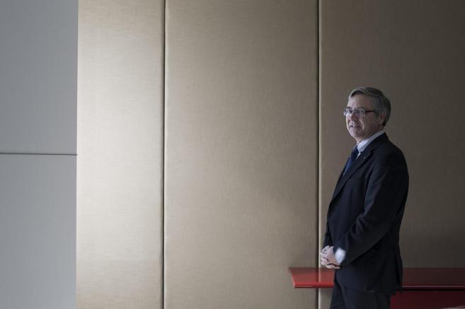 El consejero delegado de Axa España,  Jean-Paul Rignault, durante la...