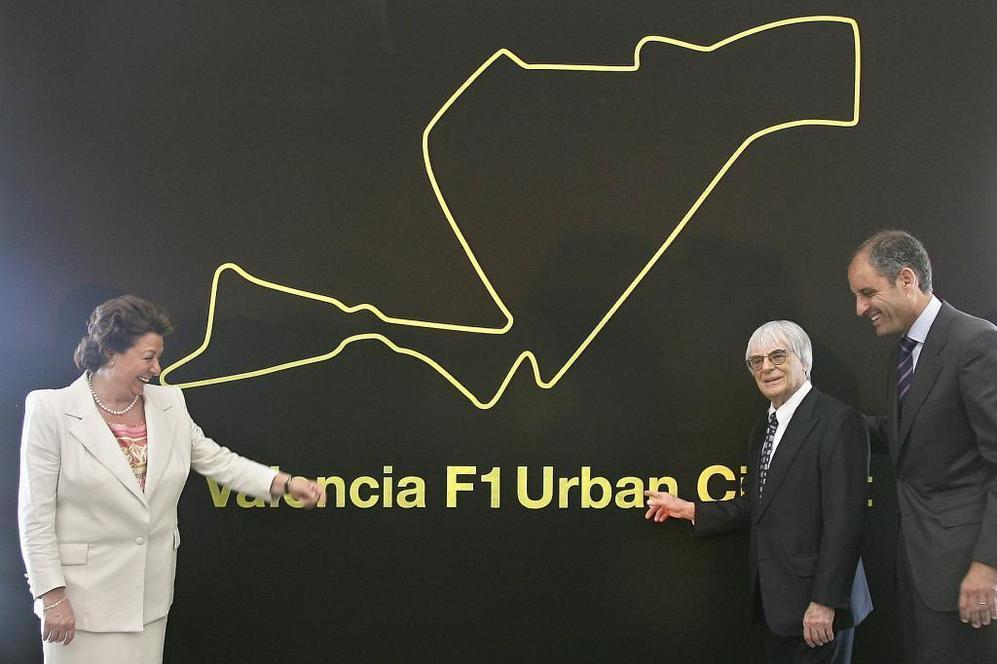 Rita Barberá, Bernie Ecclestone y Francisco Camps en la presentación...