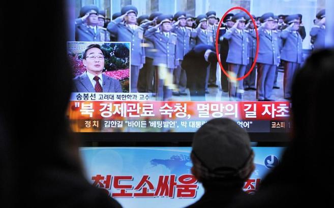 Jang Song-thaek (en el círculo), junto a Kim Jong-un.
