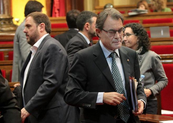 El líder de Esquerra, Oriol Junqueras, y el 'president' de...
