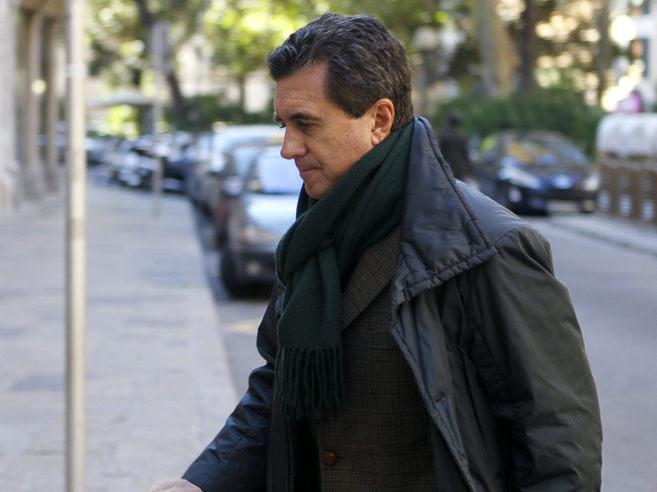 Jaume Matas llegando a la Audiencia de Palma.