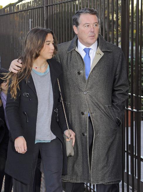 El político José María Michavila con su hija Irene.