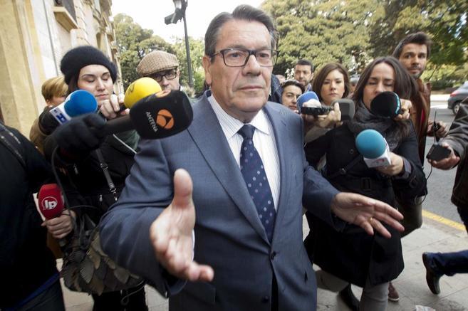 Hernández Mateo, a su salida del juicio en el Tribunal Superior de...