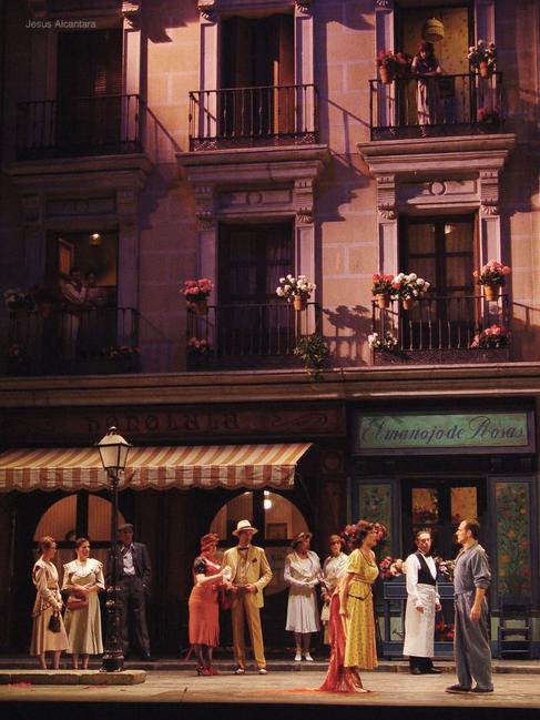 Una escena de la zarzuela 'La del manojo de rosas', dirigida...