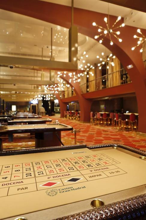 Interior del nuevo casino del Paseo de Recoletos, en Colón.
