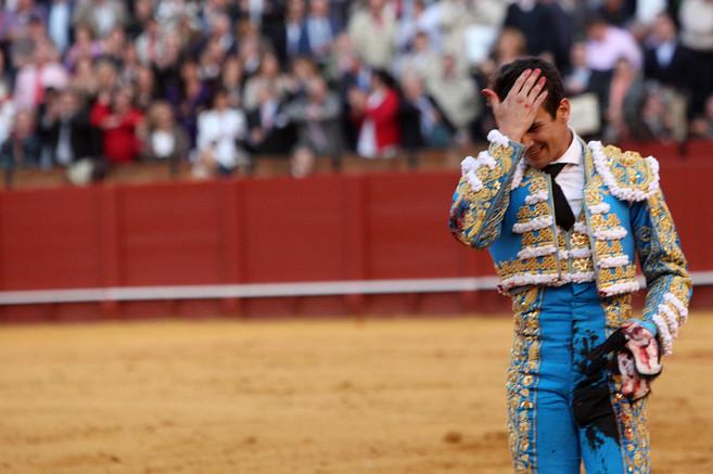 José María Manzanares, con las orejas en la mano, en una tarde...