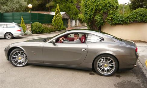 El sobrino de  Blesa conduciendo el Ferrari del ex presidente de Caja...