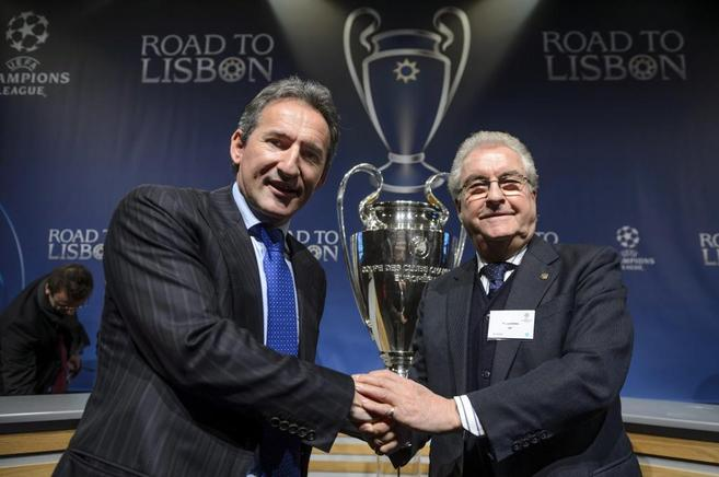 Begiristain, ex del Barça y hoy director deportivo del Man City, posa...