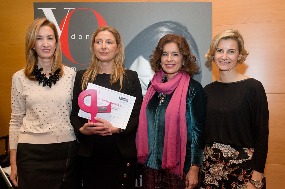 Marta Michel, directora de YO DONA, junto a Marta Fernández Cuevas,...