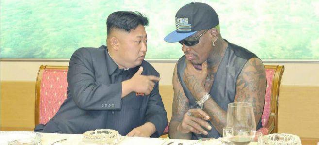 Kim Jong-un y Rodman, durante una cena en Pyongyang el pasado...