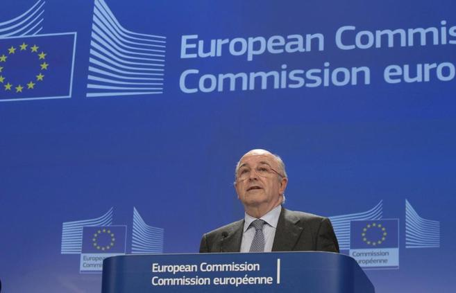 Joaquín Almunia, durante una de sus intervenciones en la Comisión...