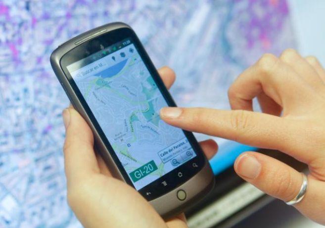 Aplicación basada en la geolocalización de personas a través del...
