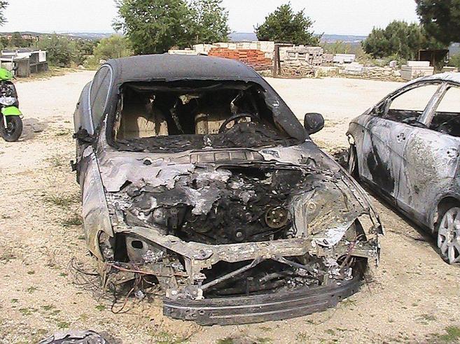 Estado en el que quedó el vehículo quemado, en mayo de 2012