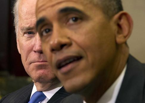 Barack Obama junto al vicepresidente Joe Biden en Washington.