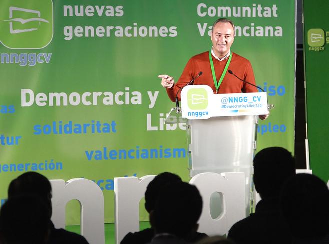 Alberto Fabra en la convención de Nuevas Generaciones en Alcoy.