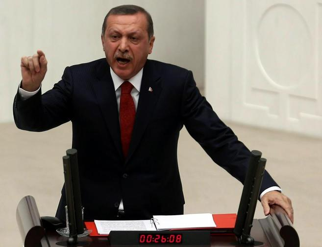 El primer ministro turco, en el Parlamento.