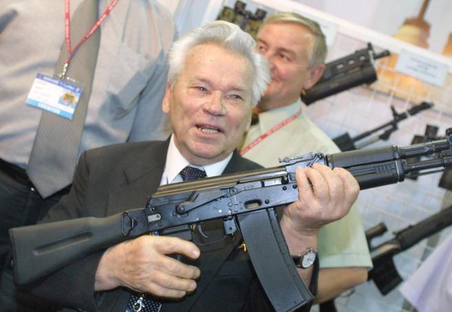 Mijaíl Kaláshnikov, en un acto en la Feria Internacional Militar de...