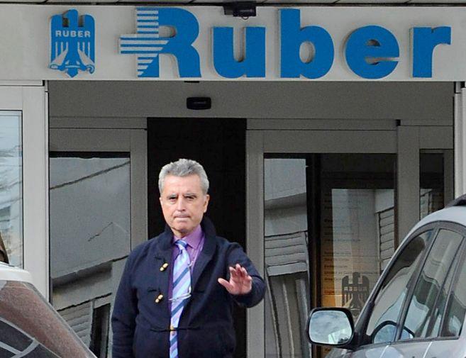 Ortega Cano, en otra de sus visitas a la Ruber.