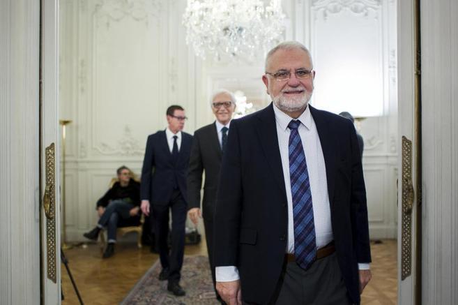 En primer término, el presidente de las Cortes Valencianas, Juan...