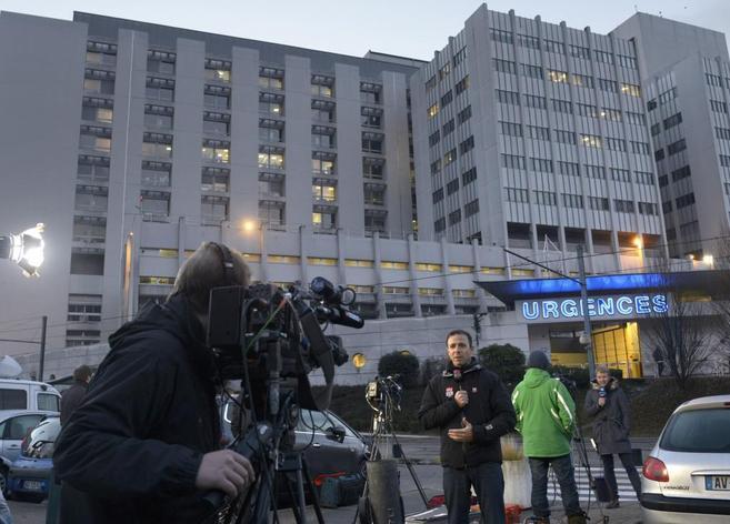 La presencia de medios alrededor del hospital de Grenoble es muy...