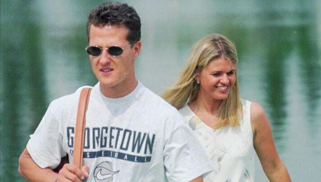 Schumacher con su mujer, Corinna, en una imagen de 1996.