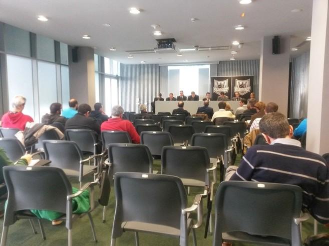 Un momento de la junta de accionistas en la sala Multiusos del Bilbao...