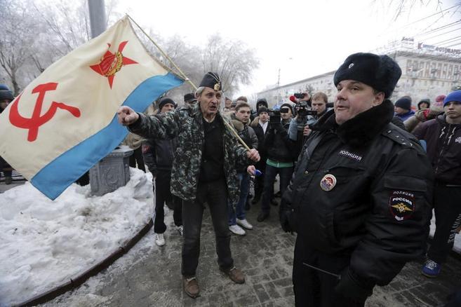 Manifestantes durante una protesta convocada por nacionalistas rusos...