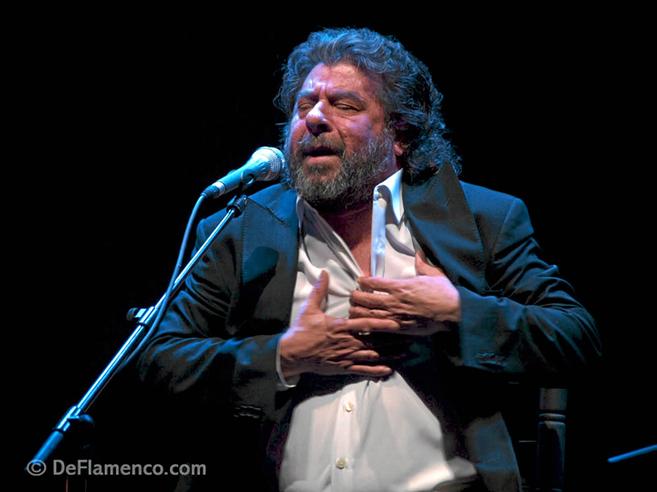 El cantaor jerezano El Torta durante una actuación.