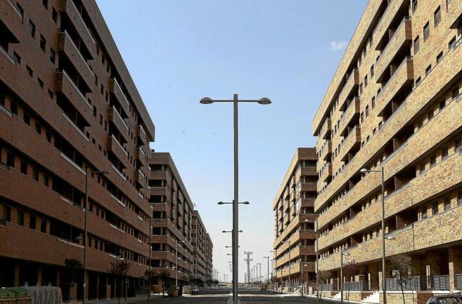 Varios bloques de pisos a estrenar en el PAU del Quiñón (Seseña).