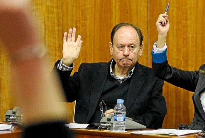 El concejal no adscrito de Claro, Bob Houliston.