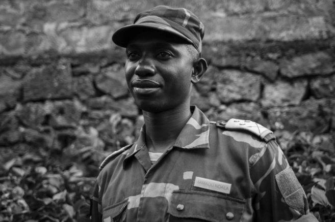 El coronel Mamadu Ndala, en un momento de la entrevista con EL MUNDO.