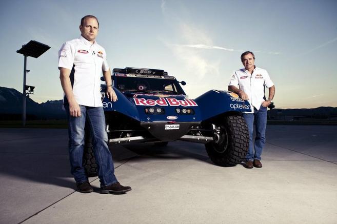 Carlos Sainz, junto a su copiloto Timo Gottschalk.