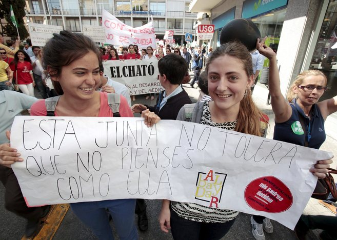 Protesta contra el recorte a los centros de educación diferenciada.