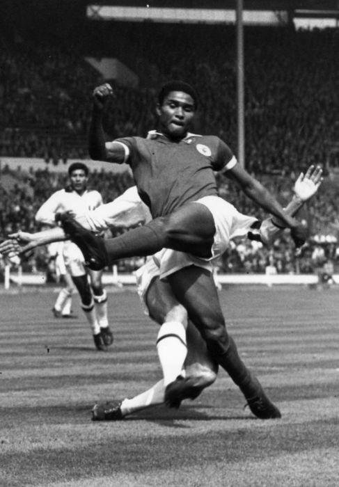 Eusebio, durante un partido con Portugal en el Mundial de 1966.