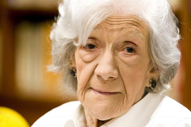 Ana María Matute durante una ponencia en la Fundacion Caballero...