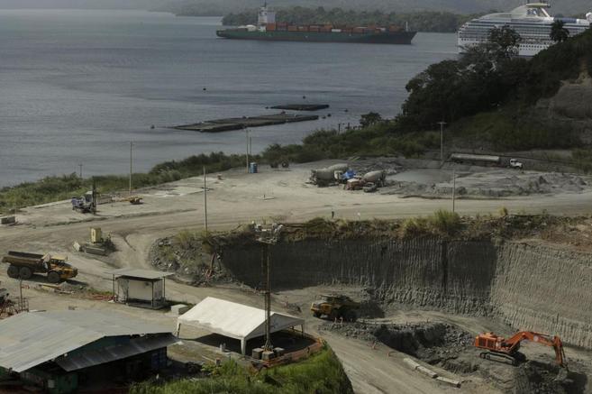 Vista general de las obras en el Canal de Panamá