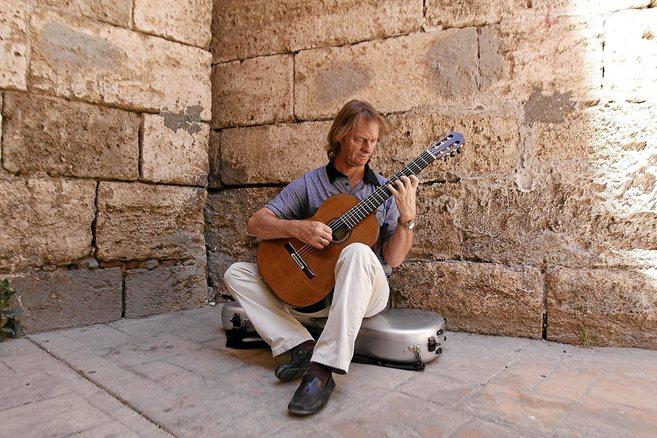 El guitarrista inglés David Russell.